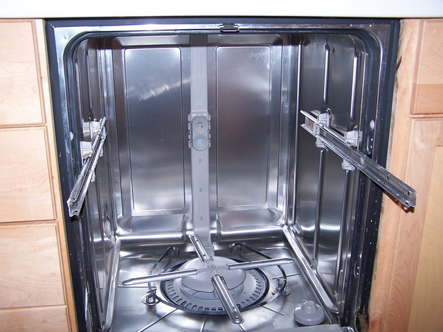 8 Reasons for Beeping Dishwasher